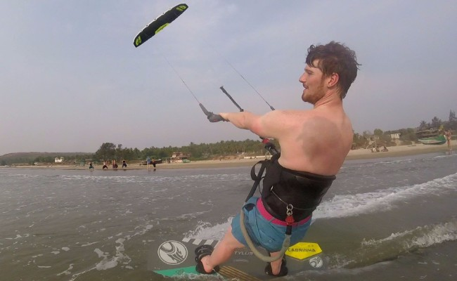 kiteboard instructor goa