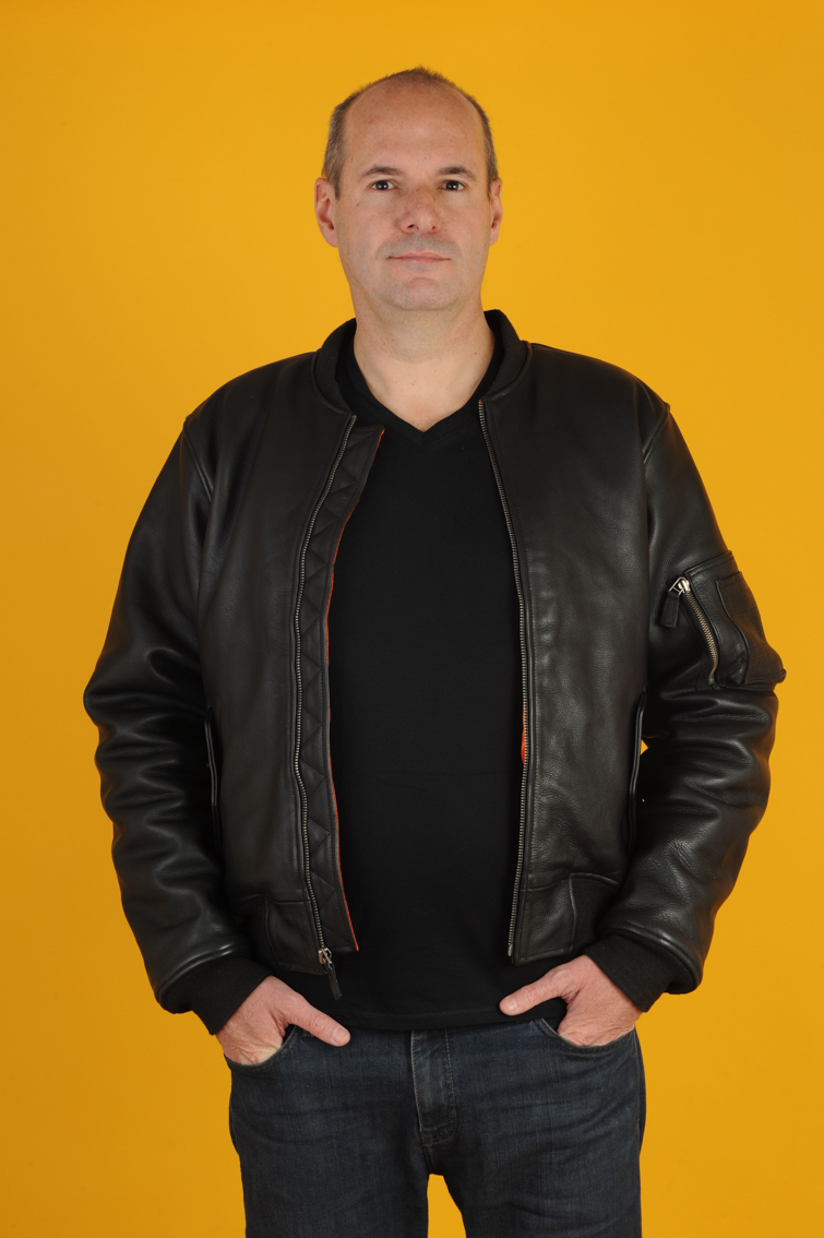 leather-bomber-jacket-stars-cowhide-black-00