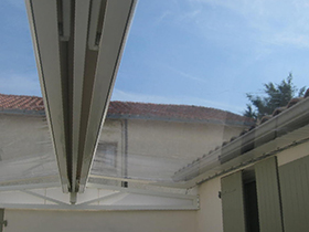 Abs atlantique baches services b ches protection solaires for Bache transparente pour veranda
