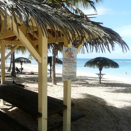 Ti' Coco, restaurant sur la plage de l' Anse des Rochers