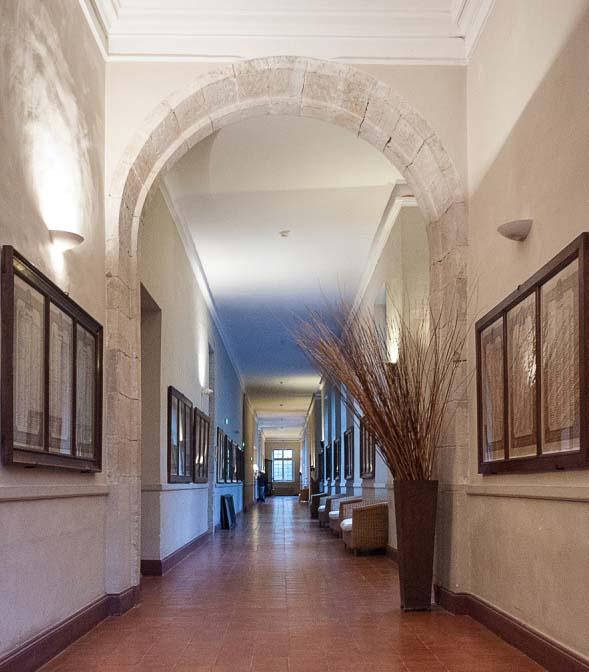 le cloître de l'ancienne abbaye école de Sorèze