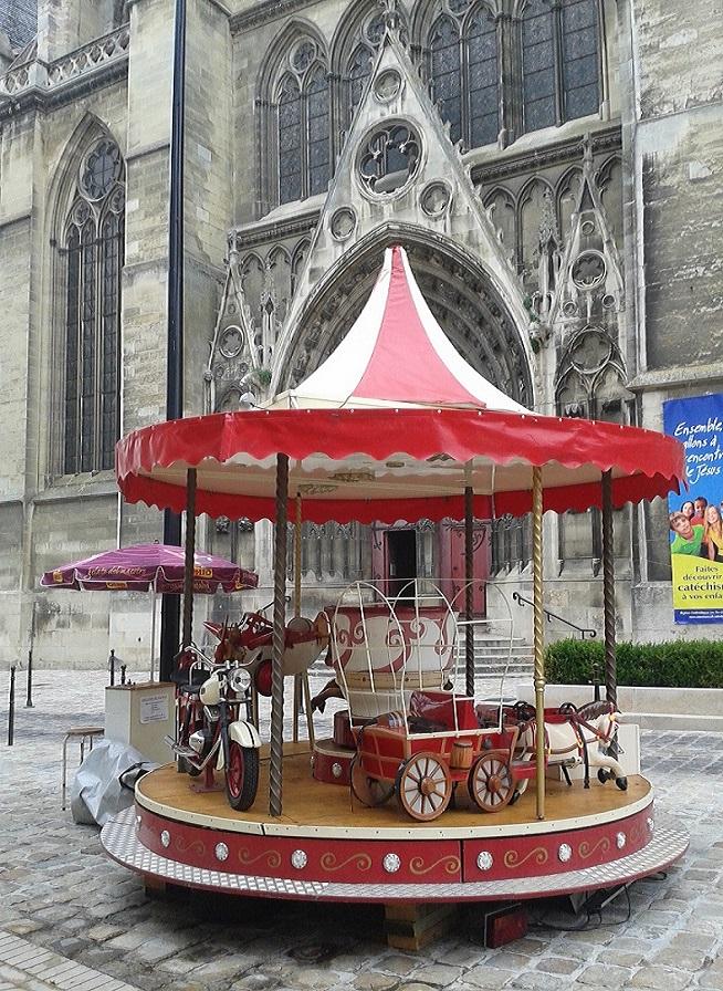 Le Petit Carrousel