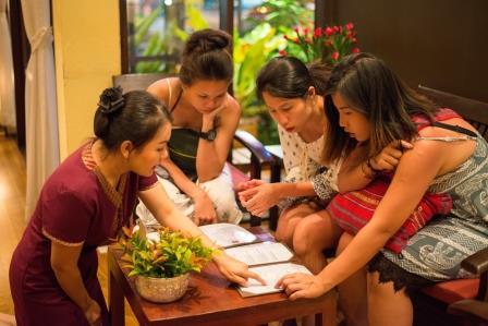 Iris massage traditional thai massage