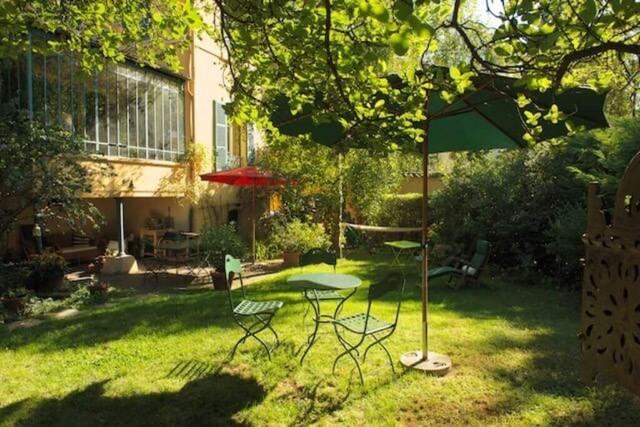 Une maison de campagne dans la ville de Lyon
