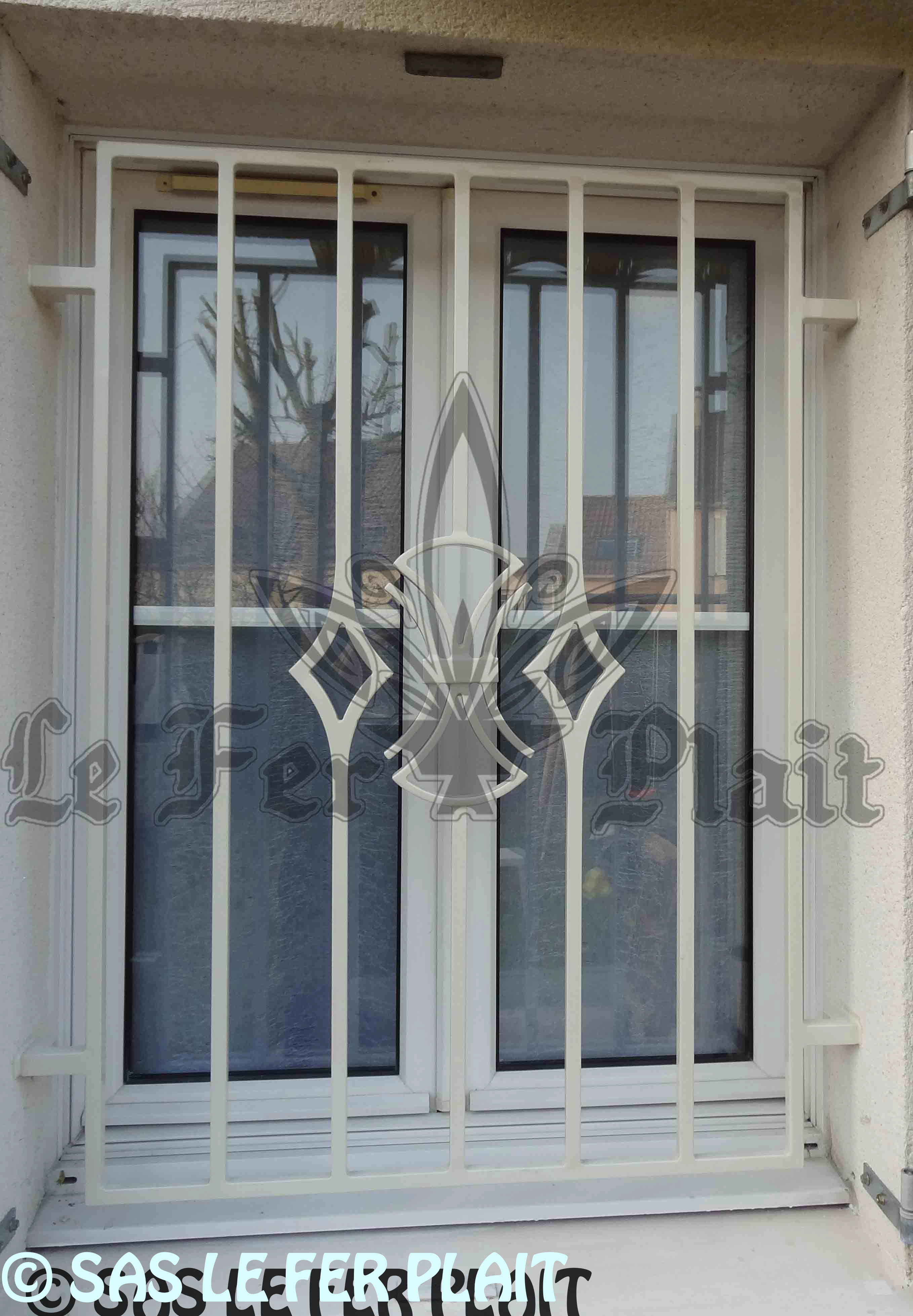 grille defense excellent grille azur with grille defense free rare grille dfense de fentre. Black Bedroom Furniture Sets. Home Design Ideas