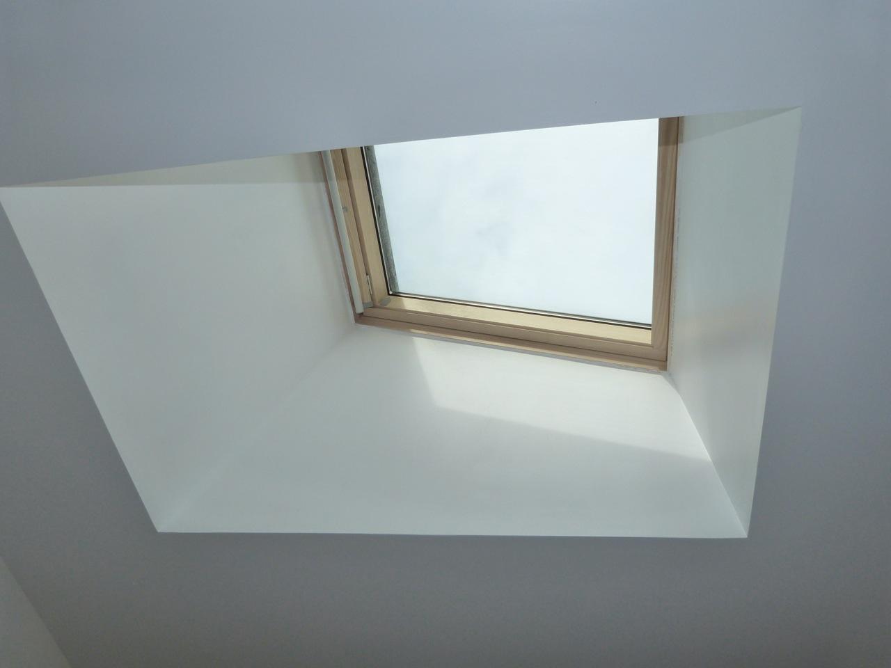 Habillage interieur fenetre de toit velux la rochelle 21 for Habillage interieur