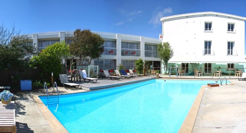 Piscine chauff e quiberon h tel restaurant bellevue for Camping piscine quiberon