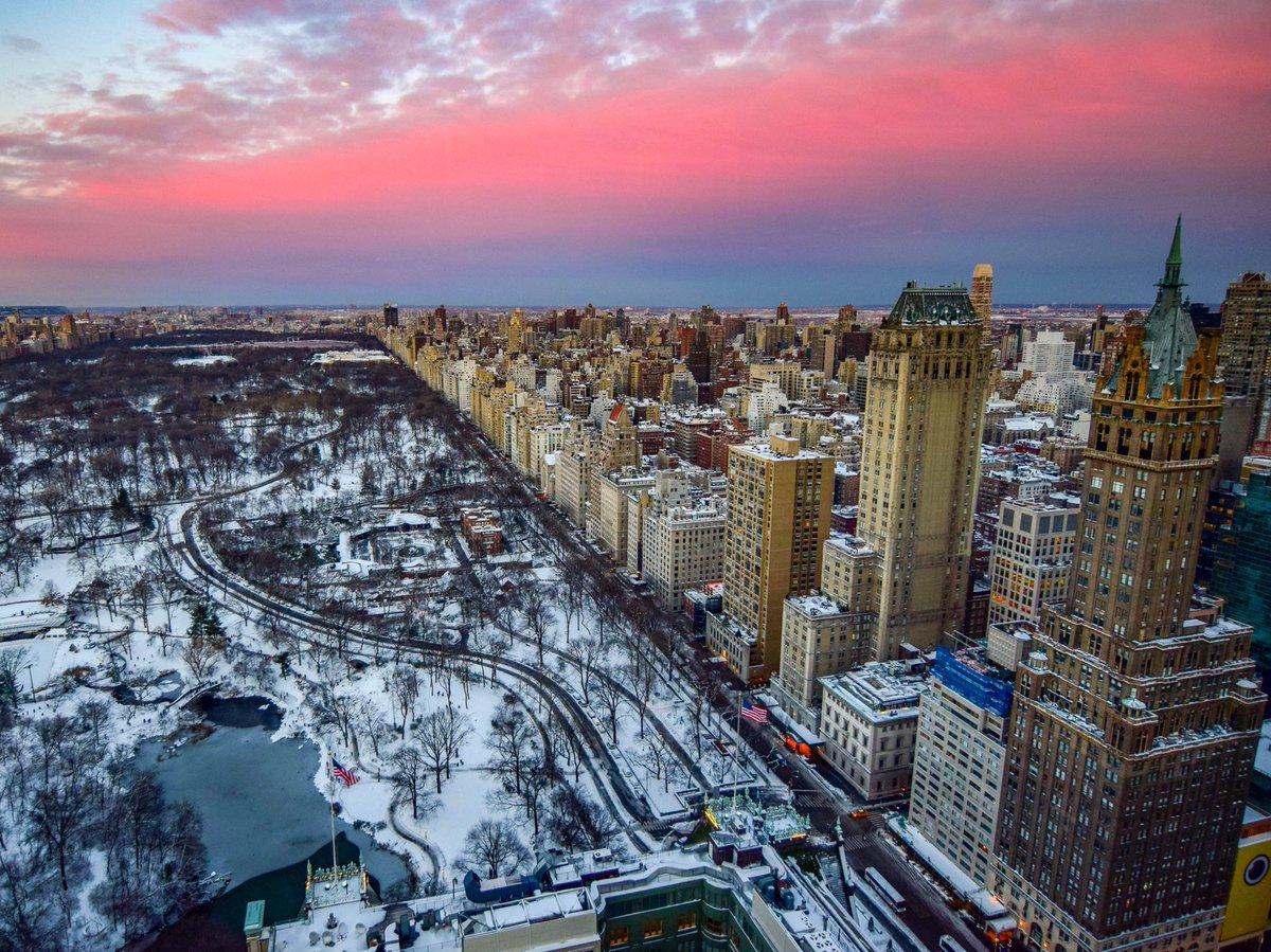 Couché de soleil sur Central Park enneigé