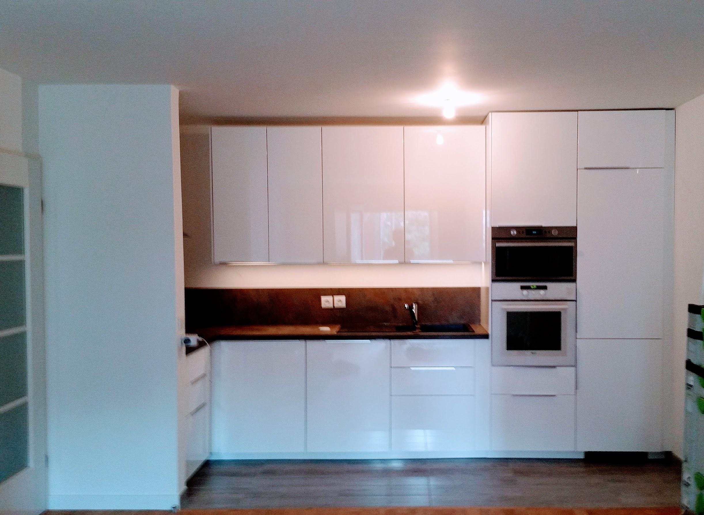 monteur de cuisine top monteur cuisine ikea meilleurs produits montage de notre cuisine en kit. Black Bedroom Furniture Sets. Home Design Ideas