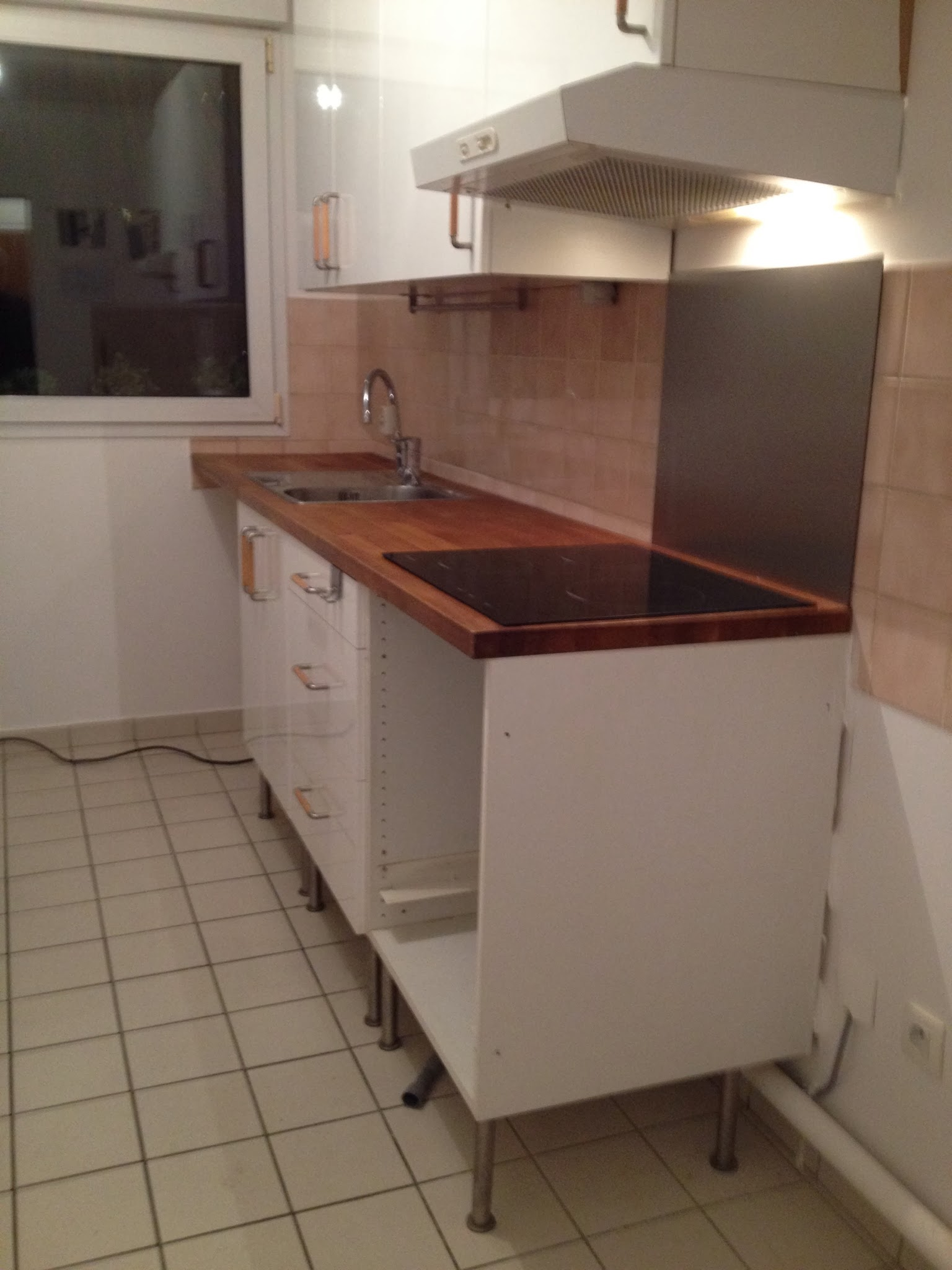 installer cuisine ikea affordable st tiroir mtallique avec glissires g enlever installer et. Black Bedroom Furniture Sets. Home Design Ideas